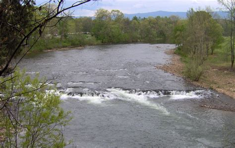 File:Nolichucky-river-shoals-tn1.jpg - Wikimedia Commons