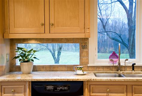 Kitchen Window Backsplash by Choosing The Right Idea For Kitchen Backsplash Choices