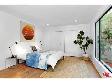 Bedroom Design Inspiration Minimalist by This Minimalist Bedroom Inspiration Offbeathome