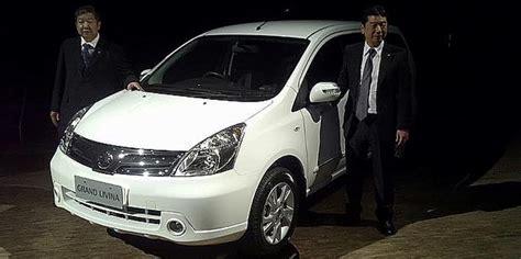 Nissan Livina Backgrounds by Nissan Lancar Grand Livina Facelift Di Indonesia Sembang