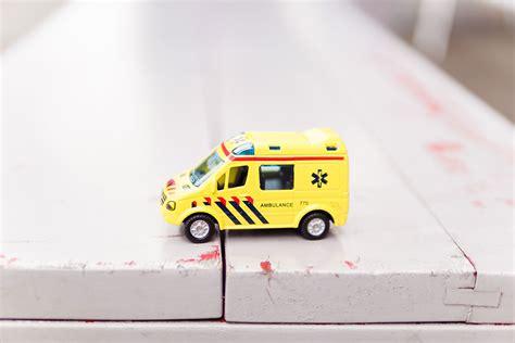 devenir auxiliaire ambulancier formation dipl 244 me salaire et d 233 bouch 233 s - Auxiliaire Ambulancier Salaire