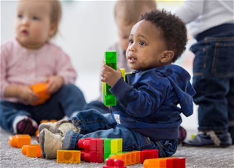 when do babies start seeing colors infant vision birth to 24 months of age