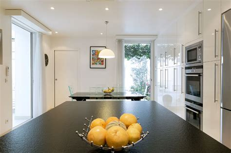 eclairage cuisine plafond clairage cuisine faux plafond le cuisine suspension brenda noir