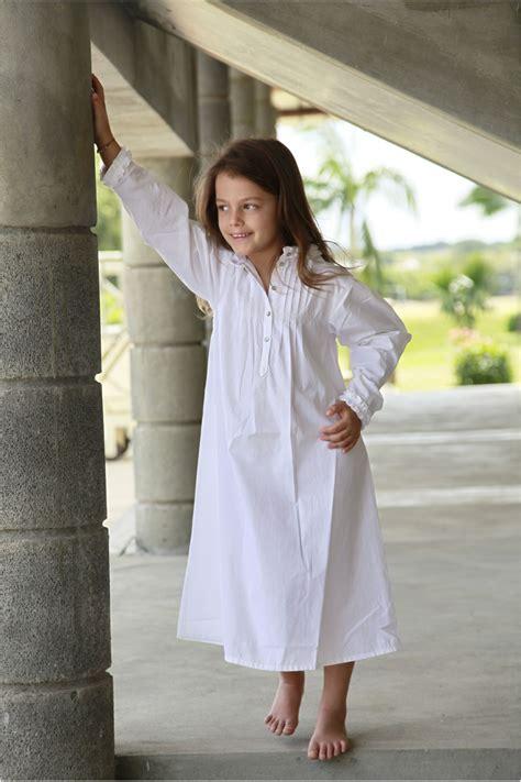 patron robe de chambre femme gratuit chemise de nuit fille bernadette blanc l 39 orangerie
