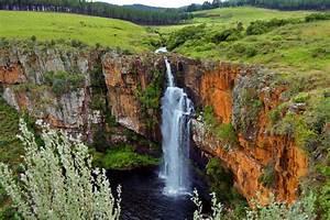 France Afrique Du Sud Quelle Chaine : les montagnes du drakensberg afrique du sud ~ Medecine-chirurgie-esthetiques.com Avis de Voitures