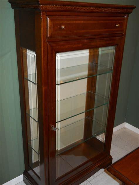 soggiorni classici in legno massello soggiorno vetrinetta in legno massello legno vetrinette