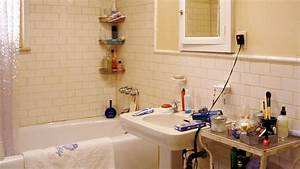 How to be lovely interior design carrie bradshaw39s for Bathroom porm
