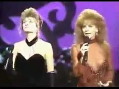 reba mcentire linda davis does he love you reba mcentire linda davis youtube