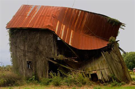 Hurricane Ike Winds And Old Aged Barn 8/15