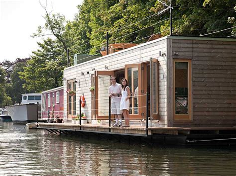 Tiny House Abwasser by Why Are So Many Living On The Water In