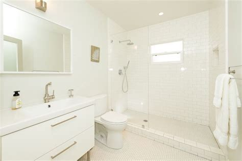 Contemporary Full Bathroom with Flush, Daltile Retro