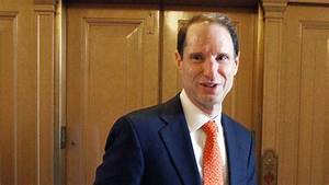 Wyden At Def Con  Mitch Mcconnell Wants Foreign Hackers To