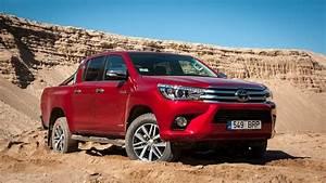 Toyota Hilux 2017 : 2017 toyota hilux off road test in the sand 4k youtube ~ Medecine-chirurgie-esthetiques.com Avis de Voitures