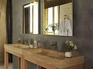 Douchette Salle De Bain : une salle de bains en pierre so chic elle d coration ~ Edinachiropracticcenter.com Idées de Décoration