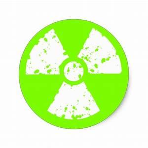 Chartreuse, Neon Green Radioactive Symbol Classic Round ...