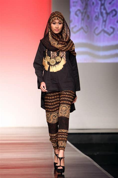 5 baju batik muslim ini bikin kamu tetep eksis