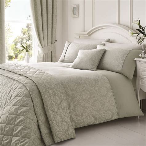 laurent jacquard quilted bedspread silver tonys