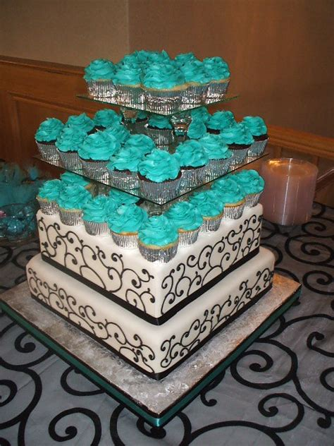 that s a cake black white and turquoise wedding