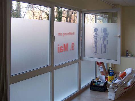 Sichtschutzfolie Fenster Foto by Glasdekorfolie F 252 R Fenster Und T 252 Ren Montage Wegaswerbung