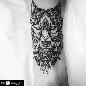 Tatouage Loup Geometrique : avant bras loup emy ltr pinterest tattoos wolf ~ Melissatoandfro.com Idées de Décoration