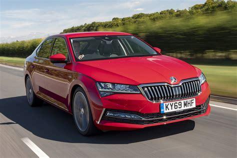 New Skoda Superb facelift 2019 review   Auto Express