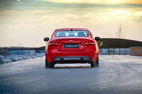 New Jaguar Xe 300 Sport Edition Versus Olympic Speed