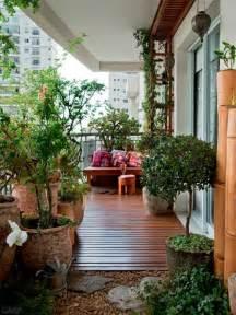 sichtschutz fã r den balkon balkon sichtschutz mit pflanzen natur pur auf dem balkon