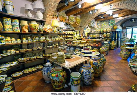 the shop of curiosities artistic ceramics in san gimignano san gimignano pottery shop stock photos san gimignano pottery shop stock images alamy