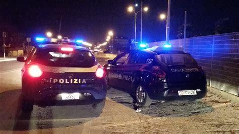 si e auto monza notte di polizia a monza inseguimento e schianto in auto