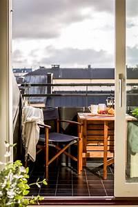 Balkon Bank Klein : klein balkon inrichten met een vaste bank tafel n ~ Michelbontemps.com Haus und Dekorationen