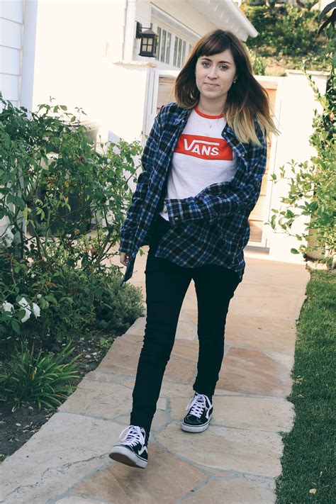 When oversized flannel shirts look effortless but... - Vans Girls