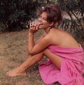 10 Stunning Photos of Claudia Cardinale