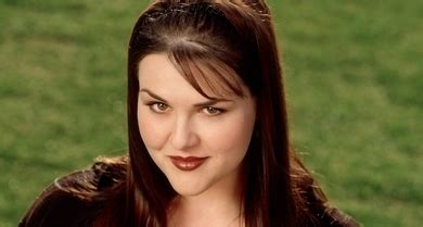 sara rue age carmen ferrara popular the tv series wiki fandom