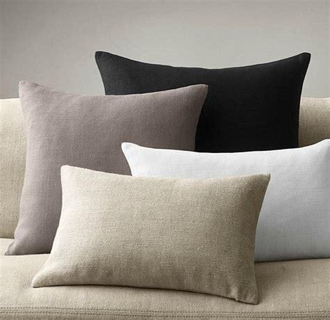 laver un canapé des conseils utiles pour laver les oreillers et les coussins