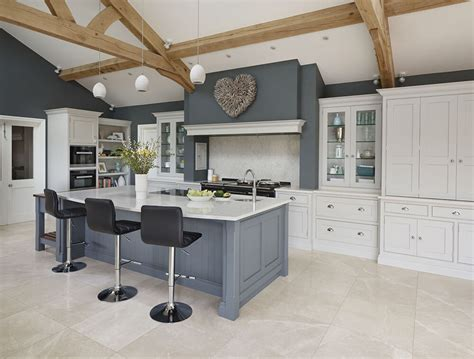 design spotlight  kitchen island creating