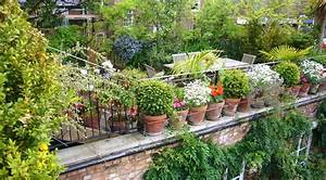Fabulous space saving designs for the rooftop garden for Rooftop gardening