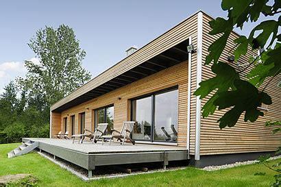 fertighaus fertighaeuser moderner bungalow  qm