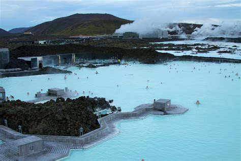 11 Hot Tubs In Worlds Most Beautiful Places Thrillist