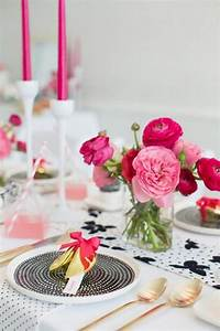 26 Beautiful Valentine39s Day Wedding Tablescapes