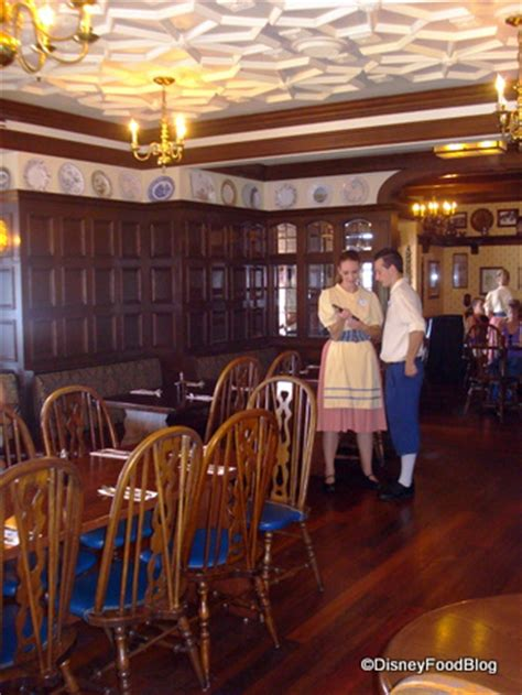 Review Rose And Crown Pub And Dining Room In Epcot's Uk
