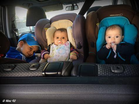 voiture avec 3 sieges arriere série oh vous avez des jumeaux mais comment faites