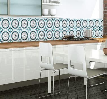 papier peint vinyle cuisine papier peint cuisine en carreaux de ciment deco cool