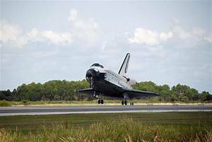 File:Space shuttle Endeavour STS-118 landing.jpg ...