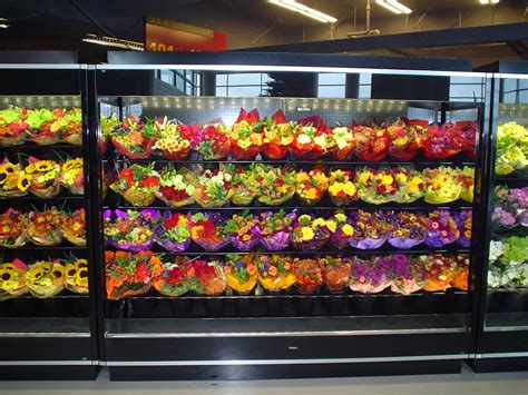 borgen merchandising systems  ft open floral case