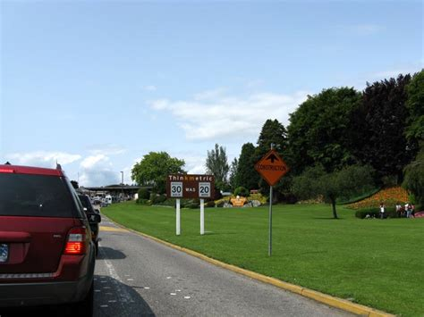 peace arch border crossing  canada border british