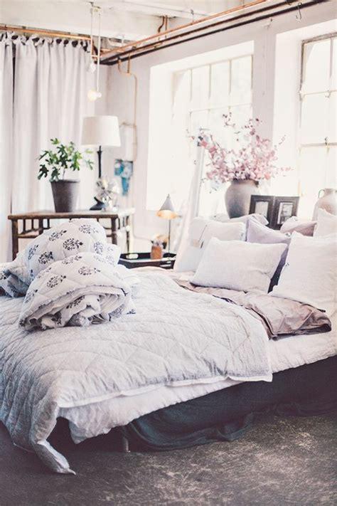 modele tapisserie chambre 1001 idées pour la décoration d 39 une chambre gris et violet