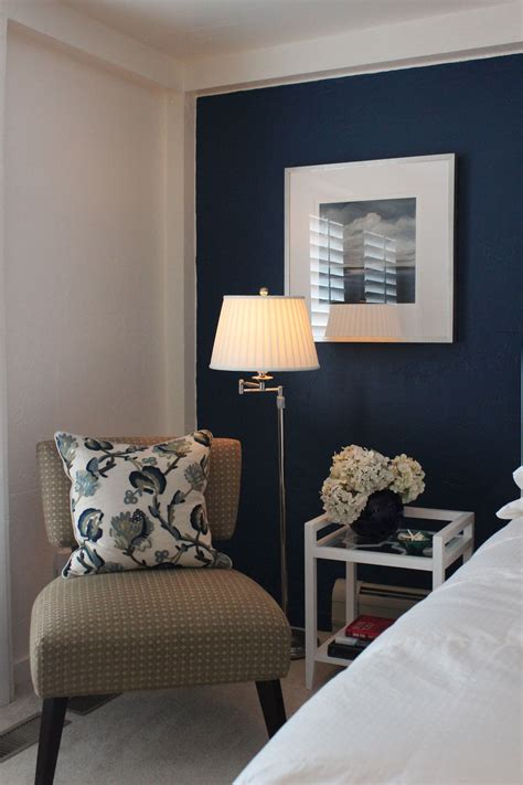 back wall in benjamin moore spellbound walls and trim in