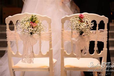 chaise d église chaise napoléon bouquets bancs et dentelle déco mariage