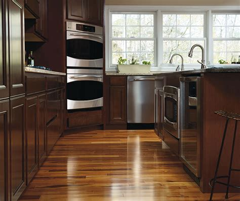 maple wood kitchen cabinets aristokraft cabinetry