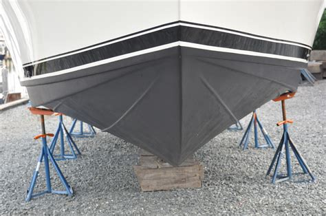 Boat Hull Protective Coatings by Bottom Painting Five Marine